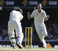 Pacemen consolidate Australia's dominance in 1st test v NZ - Yahoo News | Education | Scoop.it