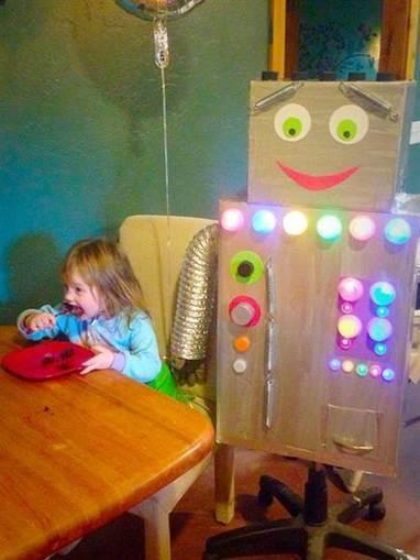 Best present ever? Parents build daughter a robot for her 3rd birthday | Kickin' Kickers | Scoop.it