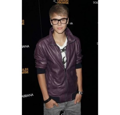 Teenage charming jacket by Justin Bieber's fashionable leather dress | Unique collection of celebrity jackets its now | Scoop.it
