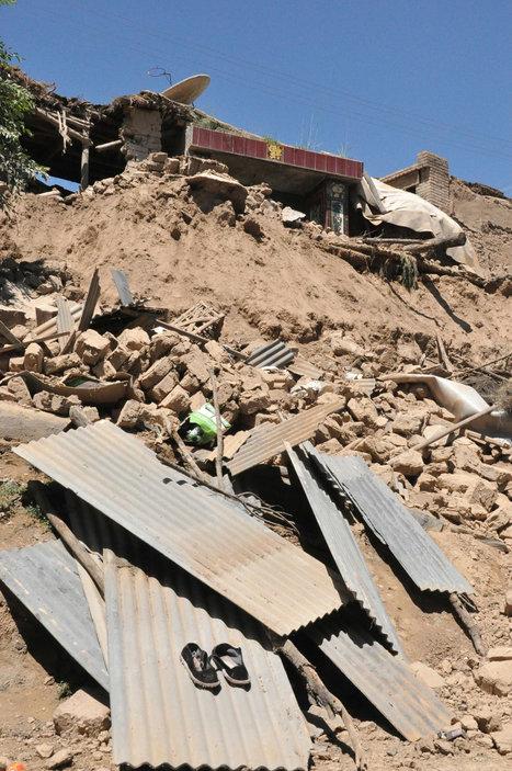 54 dead, 21,000 houses damaged in China quake - Politics Balla   Politics Daily News   Scoop.it