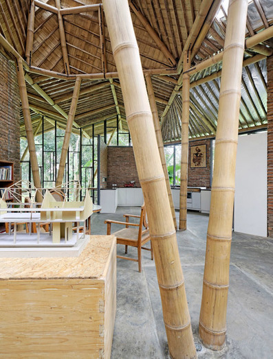 Budi Pradono Architects' bamboo house mimics local buildings | The Architecture of the City | Scoop.it