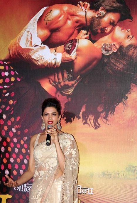 Deepika Padukone Latest Photos from Ram Leela | Bollywood Celebrities News, Photos and Gossips | Scoop.it