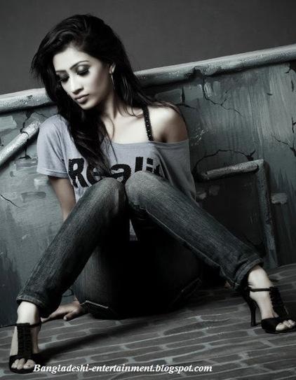 Bangladeshi ramp model actress Lux Superstar Sumaiya Azgar Raha has mysteriously died   Bangladeshi hot model   Scoop.it