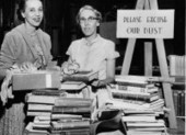 25 Vintage Photos of Librarians Being Awesome – Flavorwire | Teacher Librarians: Networking and Professional Development. | Scoop.it
