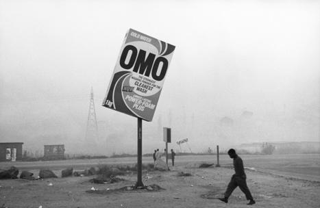 Les ombres photographiques de Santu Mofokeng éclairent le Jeu de paume à Paris   Actualités Afrique   Scoop.it