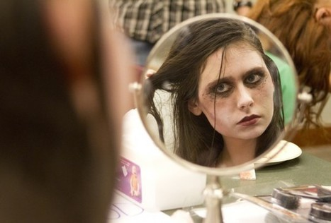 Evanston Public Library hosts first zombie walk   Creativity in the School Library   Scoop.it