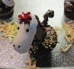 How to Decorate Horse Cupcakes   Fun Food   Scoop.it