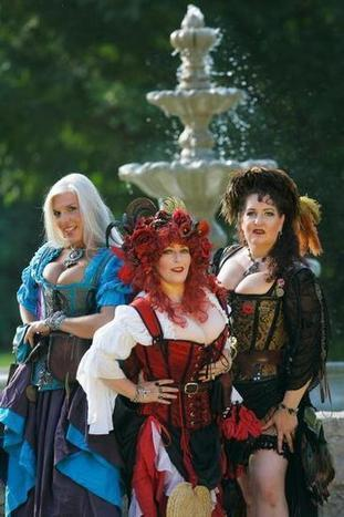 Ren Fest's lusty wenches work their wiles | KansasCity.com | OffStage | Scoop.it