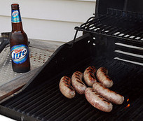 Grill safer...Chemists say to marinade your meat in beer! | Troy West's Radio Show Prep | Scoop.it