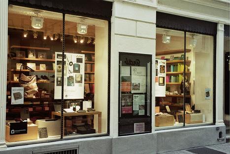 La vitrine du magasin comme un board pinterest sur rue ? | dseeder | Hyperlieu, le lieu comme interface à l'écosystème ambiant | Scoop.it