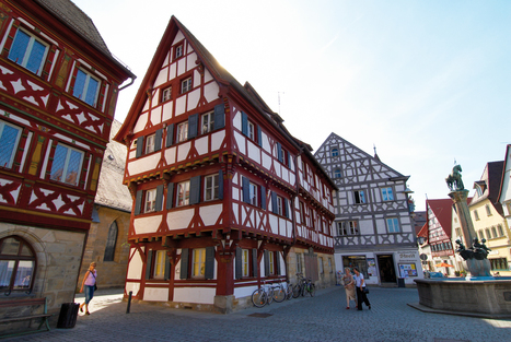 Joining German Tradition in Frankfurt and Franconia - Borders Of Adventure | Angelika's German Magazine | Scoop.it