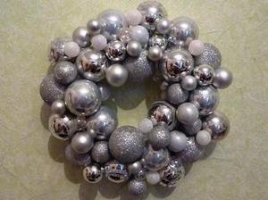 Fabriquez une #couronne de #Noël avec #initialesgg | Best of coin des bricoleurs | Scoop.it
