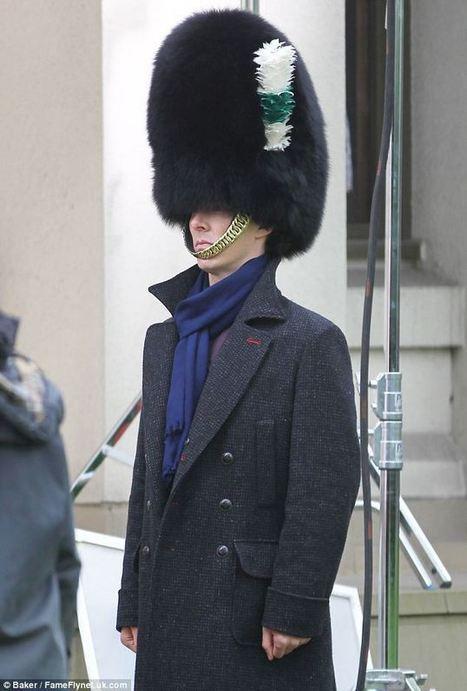 Benedict CumBEARbatch ditches the deerstalker for guardsman's hat as he continues filming new series of Sherlock | BTCC | Scoop.it