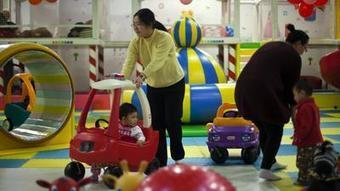China to loosen its one-child policy, end labor camps | IB Geography ISB | Scoop.it