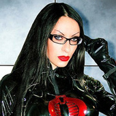 This isn't cosplay, it's actually G.I. Joe's Baroness in real life | Cosplay News | Scoop.it