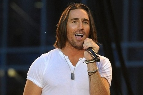 "Jake Owen's 'Beachin"" Soars to No. 1 