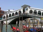 Venezia difende i turisti, tariffe ufficiali per gondole e taxi   Accoglienza turistica   Scoop.it