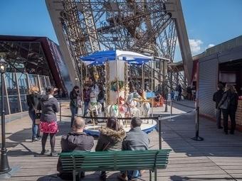 La Tour Eiffel se transforme en aire de jeux   La Tour Eiffel   Scoop.it
