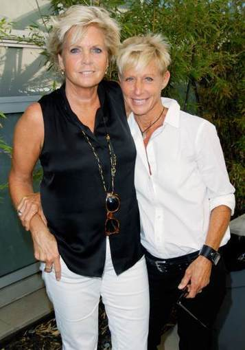 Meredith Baxter Marries Nancy Locke - Access Hollywood | CLOVER ENTERPRISES ''THE ENTERTAINMENT OF CHOICE'' | Scoop.it