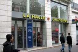 La Halle aux Chaussures passe au cross-canal grâce à des bornes tactiles | Office, Retail & Design | Scoop.it