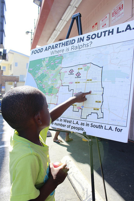 What grows in a food desert?: South LA launches farmer's market to fill a grocery store void | Which Way L.A.? | Community Partnerships for Promoting Health and Wellness | Scoop.it
