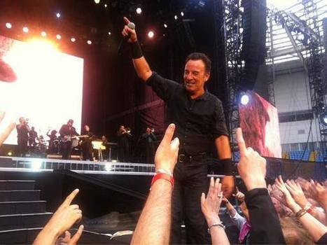 Bruce Springsteen plays 'Born to Run' album for James Gandolfini in Coventry, England Thursday - Stan Goldstein | Bruce Springsteen | Scoop.it