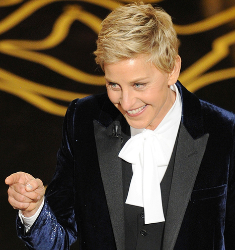 Ellen Degeneres Tweets from the Oscars Stage | Social Media News | Scoop.it