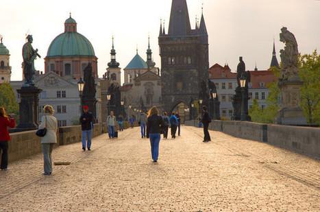 Street Photography: Charles Bridge Early Morning   Deborah Julian Art   Prague - beauty and interesting things   Scoop.it