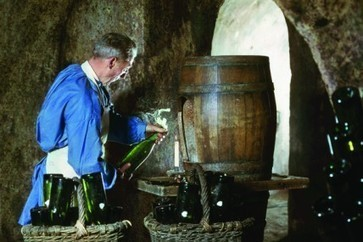 Champagne disgorgement: it's all in the timing | Champagne Chronicles | Scoop.it