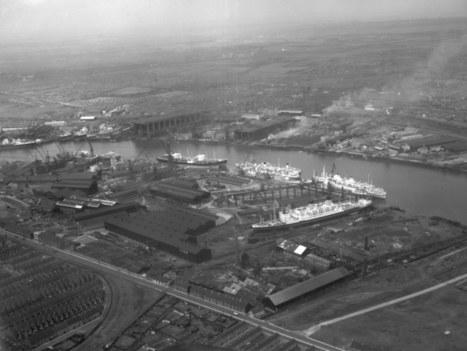 Ship repair yard of Palmers Hebburn, 1953   patrimodus   Scoop.it