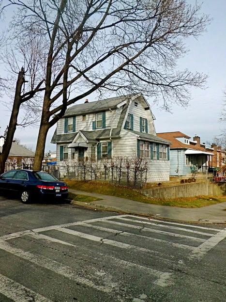 A house on a corner in Throggs Neck. | Throggs Neck Bronx | Scoop.it
