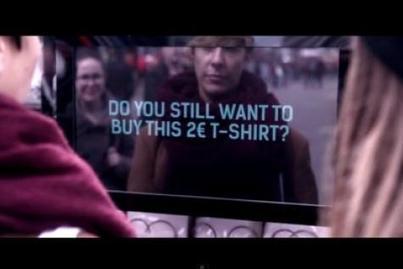 Des t-shirts à 2 euros pour dénoncer les conditions de ceux qui les fabriquent (vidéo)   Citizen Com   Scoop.it