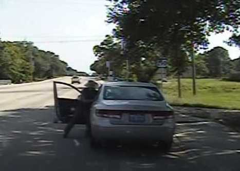 Dashcam footage clearly shows the real reason Sandra Bland changed lanes in the first place | Police Problems and Policy | Scoop.it