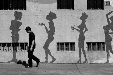 Street Photography: Amazing Black and White Examples - Photographytuts | Visual Loop Inspiration | Scoop.it