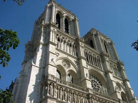 Au Coeur de Notre Dame - 52 mn - Film de Martin Blanchard - France 5 - 2011 | DOMIN | Scoop.it