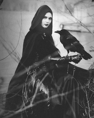 13 Signs You're a Witch. | GODDESSES AND WITCHES | Scoop.it