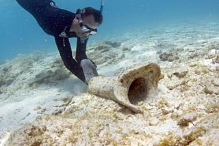 Museum scours seabed for sunken treasures of colonial history | Teaching history and archaeology to kids | Scoop.it
