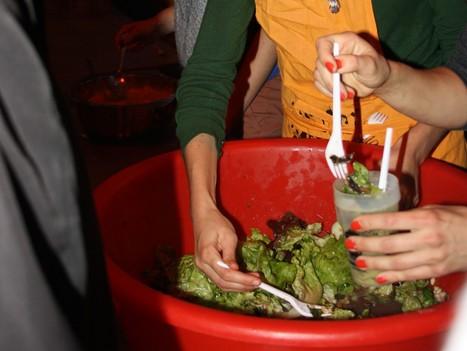 J'ai sauvé 80kilos de fruits et légumes dans une Disco Soupe - Rue89 | Le manger, c'est la vie | Scoop.it