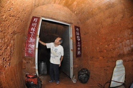 Man Spends Six Years Carving Cave Home in the Side of a Hill | Strange days indeed... | Scoop.it