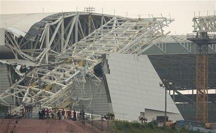 Problems at Brazil World Cup, Oly stadiums - MiamiHerald.com | Futbol | Scoop.it