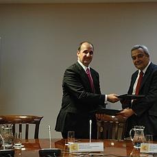 Interior e Industria firman un acuerdo contra el ciberterrorismo y el cibercrimen | Ciberseguridad + Inteligencia | Scoop.it
