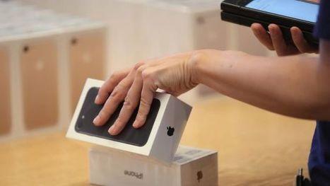 Samsung crisis began in rush to capitalise on 'uninspiring' iPhone | 12 Business Marketing | Scoop.it
