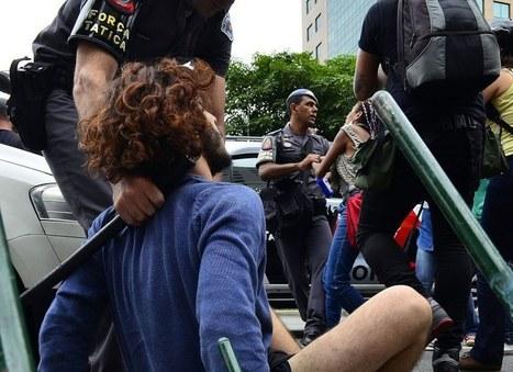 Em vídeos e fotos, a repressão da PM aos estudantes secundaristas | Anonimato da polícia | Scoop.it