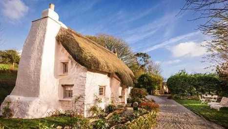 Dokonalá romantika v chalúpke so slamenou strechou zo 17. storočia | domov.kormidlo.sk | Scoop.it