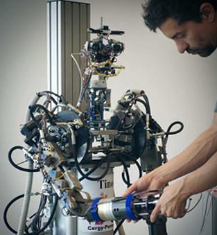 Venez serrer la main de Tino, le nouveau robot humanoïde de Lille 3 - Université Lille 3 | Une nouvelle civilisation de Robots | Scoop.it