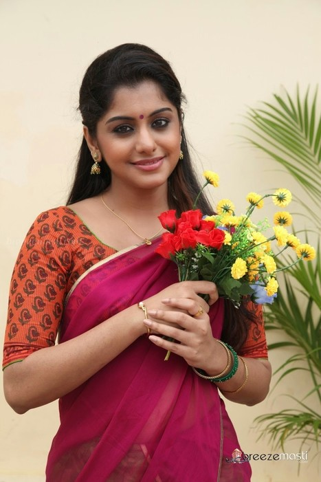 Meera-nandan-cute-Tamil-actress-pics - Bollywood - South Indian Movies Actress Photo gallery Wallpapers Indian Cinema News Film Reviews etc | Breezemasti | Scoop.it