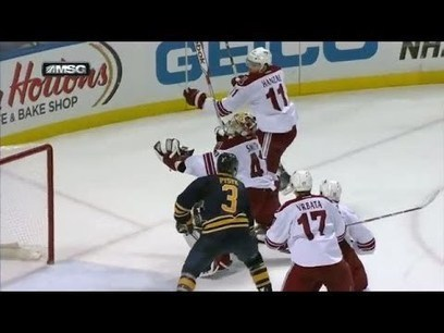 Smith scores on himself with puck in pants   Money   Scoop.it