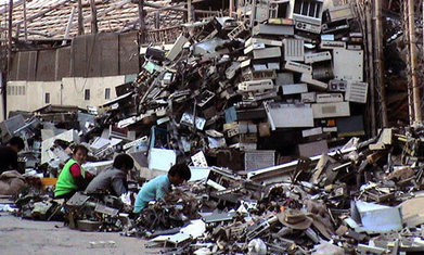 "E-Waste : The Overwhelming Impact And Human, Environmental Costs of New Technology | Corporate ""Social"" Responsibility – #CSR #Sustainability #SocioEconomic #Community #Brands #Environment 