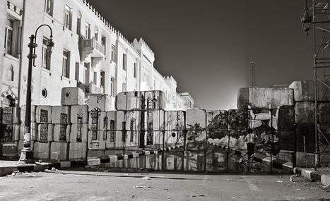 Trompe-l'œil sur les barricades de la place Tahrir | arts graphiques | Scoop.it