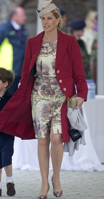 Queen 2012 Jubilee: A vintage day for fashion and even Prince Beatrice got it right | I don't do fashion, I am fashion | Scoop.it